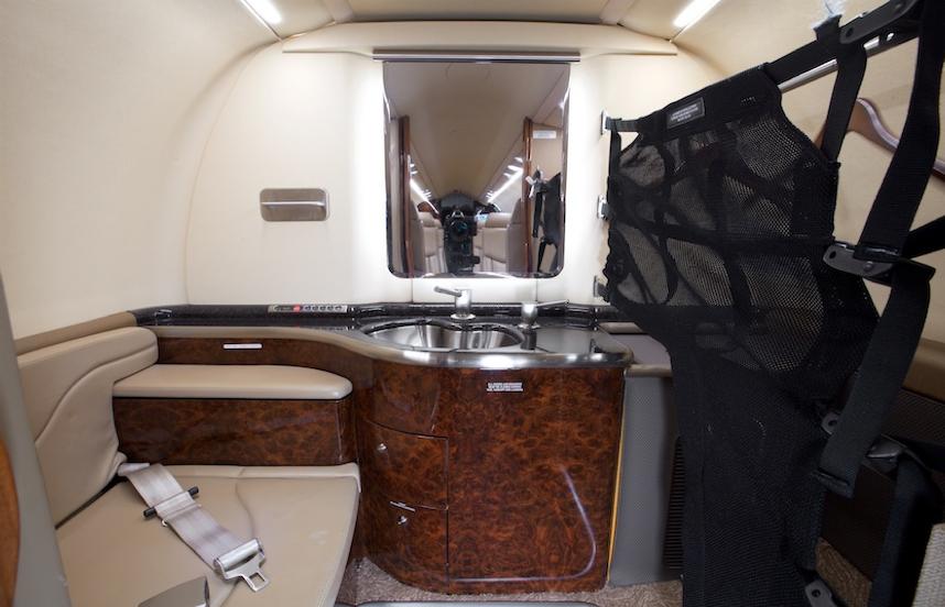 2008 lear 45xr aircraft cabin sink