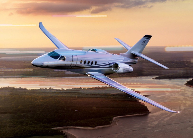 citation latitude jet flying